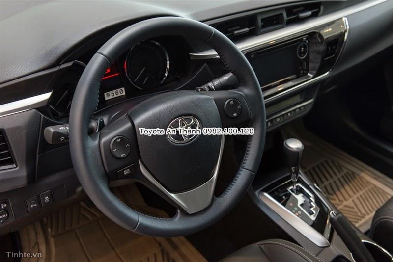 Khuyến Mãi Giảm Giá Xe Toyota Altis 2015 Mới - Tay Lái