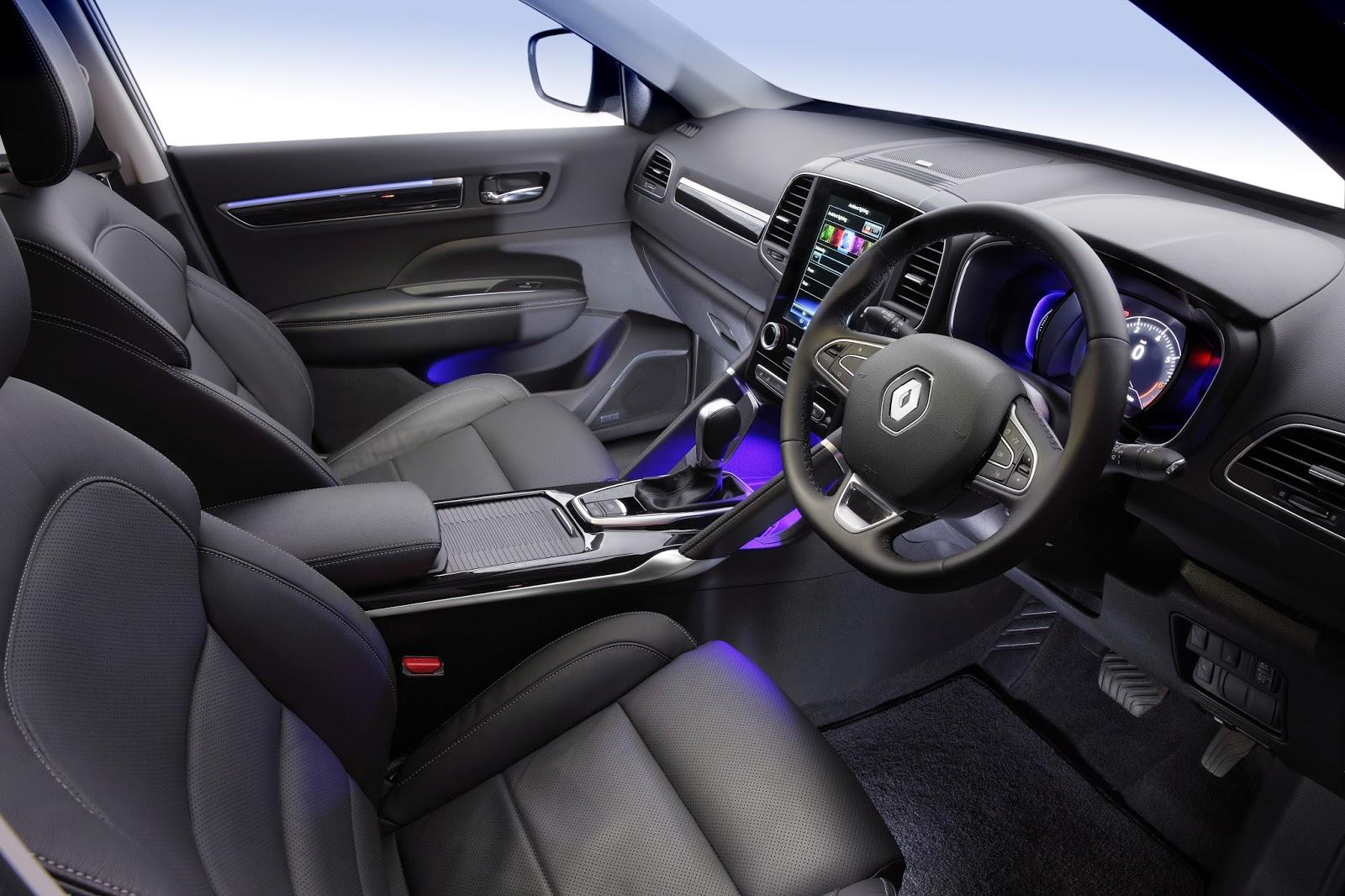 Khá nhiều tính năng thông minh, an toàn được trang bị trên xe