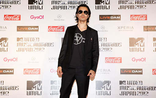 Kaneko Nobuaki on the red carpet | MTV Video music awards Japan 2012