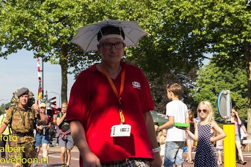 vierdaagse door cuijk 18-7-2014 (15).jpg
