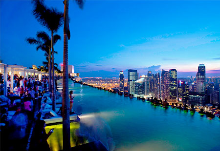 Humor feast top 10 rooftop pools - Marina bay singapore pool ...