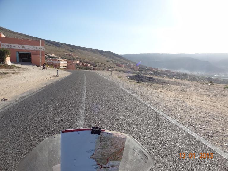 Marrocos e Mauritãnia a Queimar Pneu e Gasolina - Página 3 DSC05614