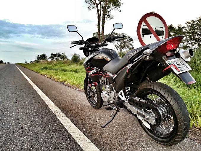 caaa530ce8e72 Chrespim12 - Honda NX4 Falcon 2007