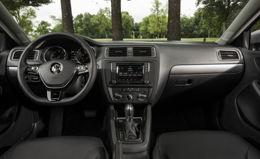 Nội thất của xe quá đẹp, mạnh mẽ và chắc chắn đậm chất Đức
