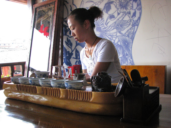 Tea tasting in Lijiang