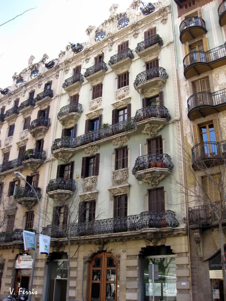 Casas joan rabaseda barcelona modernista for Inmobiliarias barcelona