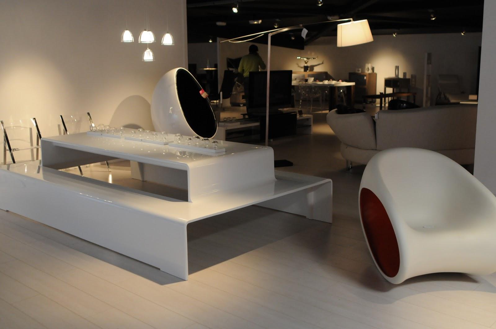 r concept store contemporain. Black Bedroom Furniture Sets. Home Design Ideas