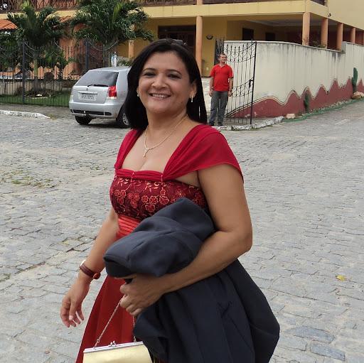 Nelia Soares
