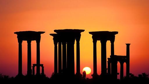 Sunset Tetrapylon, Palmyra, Syria.jpg