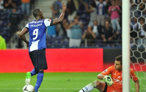 Con 2 goles de Jackson Martínez el Porto venció 3-2 al Dinamo Kiev en la Champions