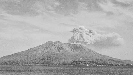 桜島 昭和火口噴煙5,000m