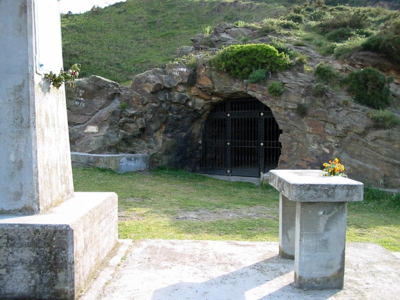 La ermita excavada en la roca