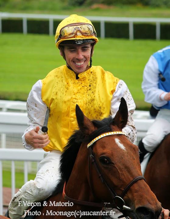 Jockeys' attitudes IMG_0170