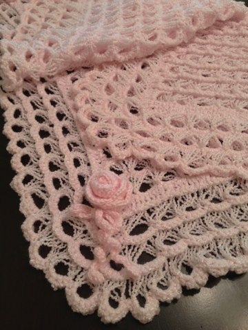 "LOVELY LACE EDGED RIBBON TRIM BABY BLANKET 36/"" SQUARE CROCHET PATTERN"