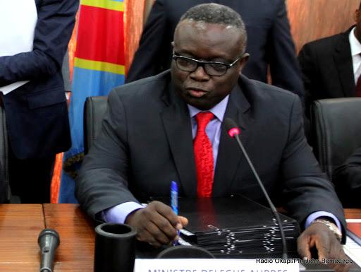Le Ministre Congolais Délégué auprès du Premier Ministre chargé des Finances, Patrice Kitebi le 10/07/2013 à Kinshasa. Radio Okapi/Ph. John Bompengo