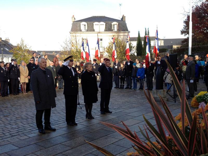 Les cérémonies du 11 novembre au monument aux morts de Pontivy