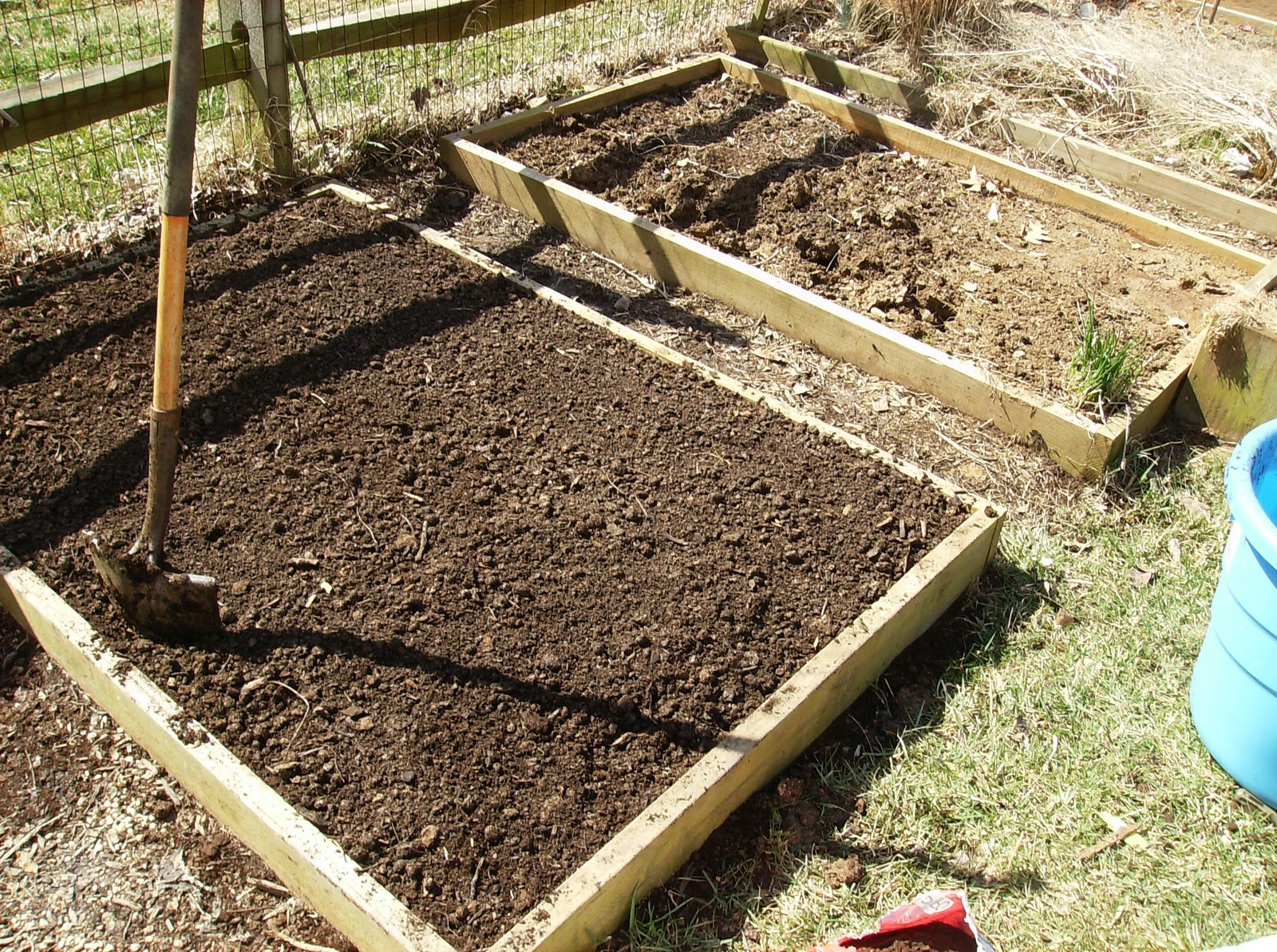 Amending Your Raised Bed Vegetable Garden Soil Yearly The Poetic Vegetable Garden