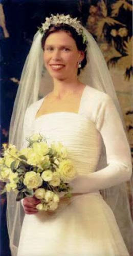 Flashback Friday Lady Sarah Chatto Wedding Dress