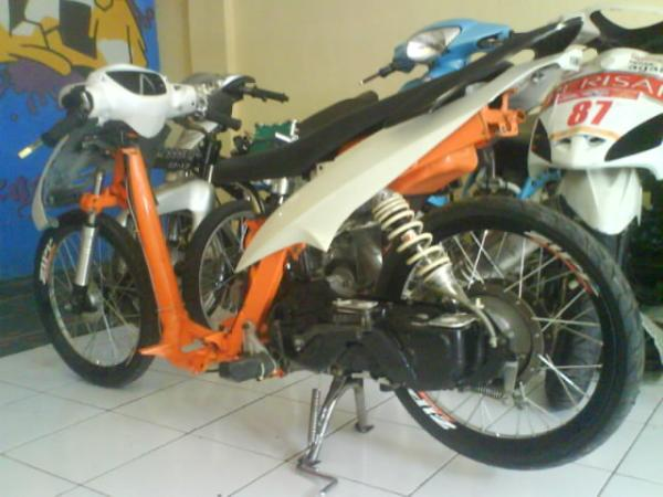 Motor Drag Liar Yamaha Mio Matic White Orange (Mio Drag Liar Putih