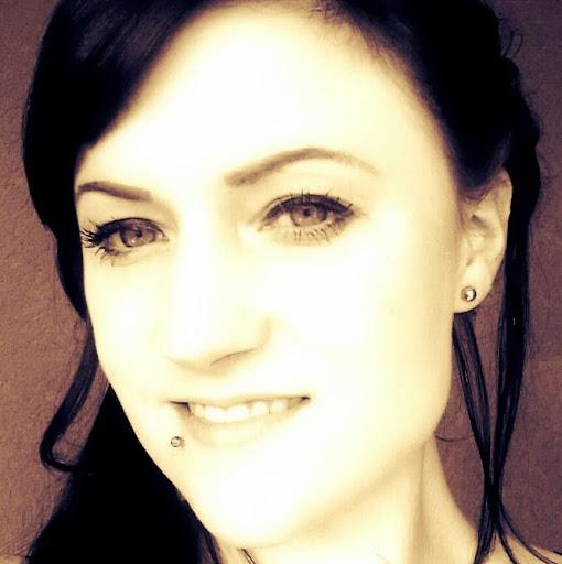 Laura Gruber Photo 10