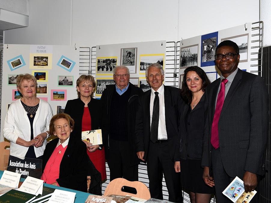 Inauguration de la Biennale du Livre d'histoire le 22 avril 2016 à Pontivy