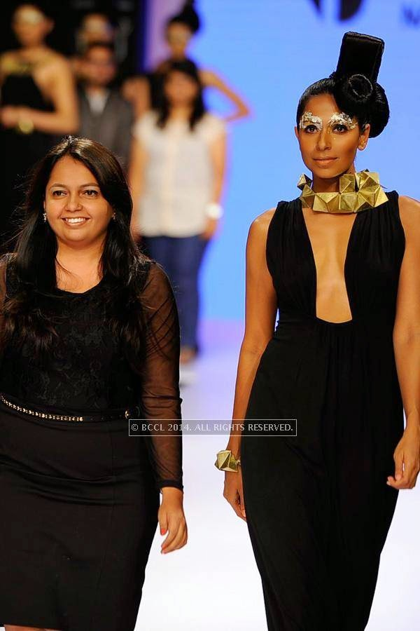 Candice Pinto walks the ramp for NID on Day 3 of India International Jewellery Week (IIJW), 2014 at Grand Hyatt, Mumbai.