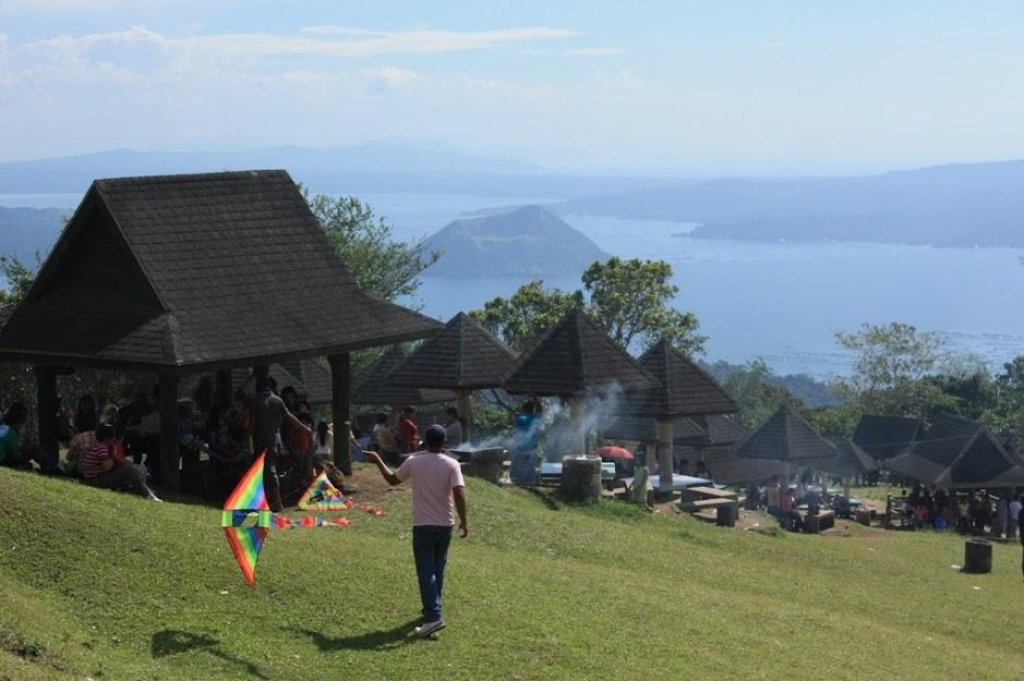 family picnic in tagaytay pau travels