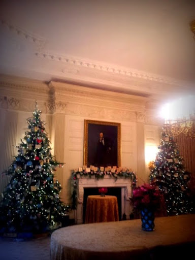 State Dining Room, White House Christmas. . #WHHolidays #WHTravelBloggers