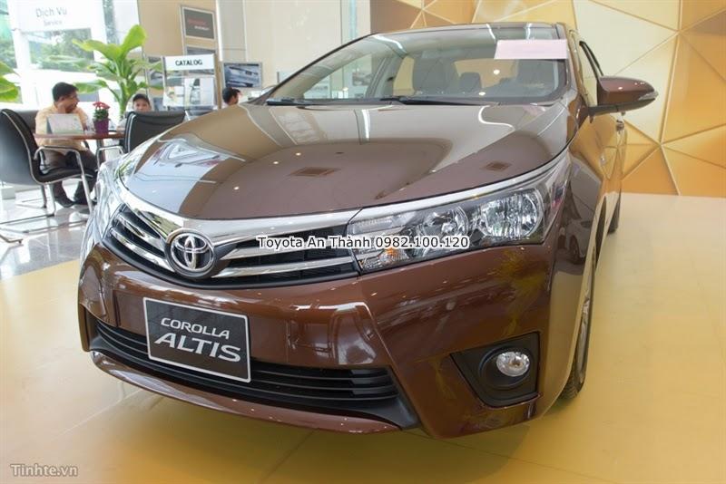 Khuyến Mãi Giảm Giá Xe Toyota Altis 2015 Mới Màu Nâu
