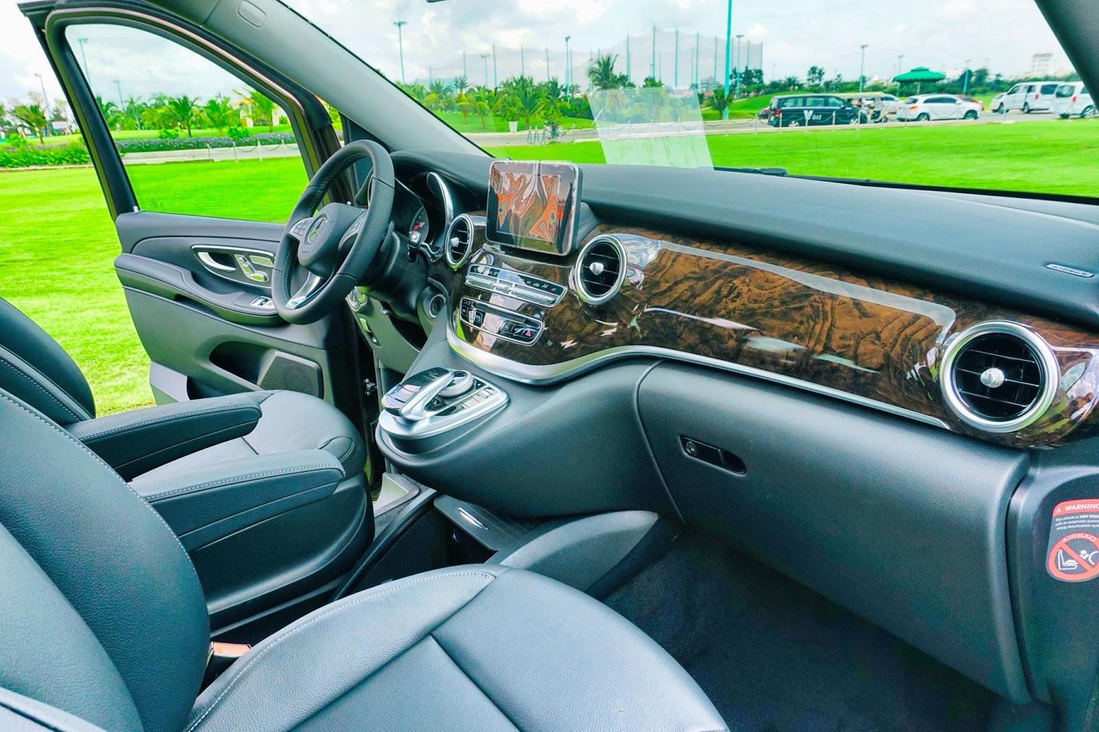 Khoang lái sang và nhiều tính năng thông minh đậm chất Mercedes Benz