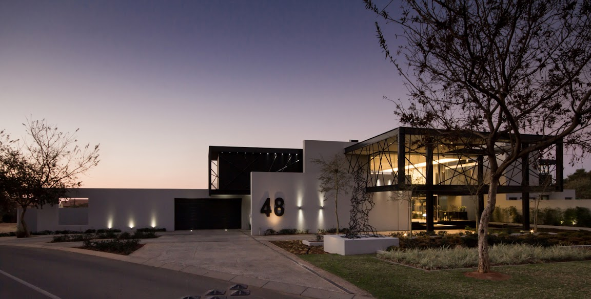 House Ber  design by Nico van der Meulen Architects