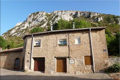 Castillo de la Población visto desde el punto de inicio