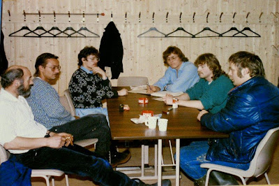 Styremøte i Ulabrand 1987. Fra v. Sigfred Korneliussen, Roy Myrseth, Steinar og Freddy Sørensen, Arnt Helge Lockertsen, Leif Erik Edvardsen