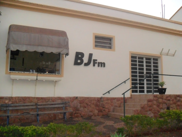 Ouça a Rádio BJ FM