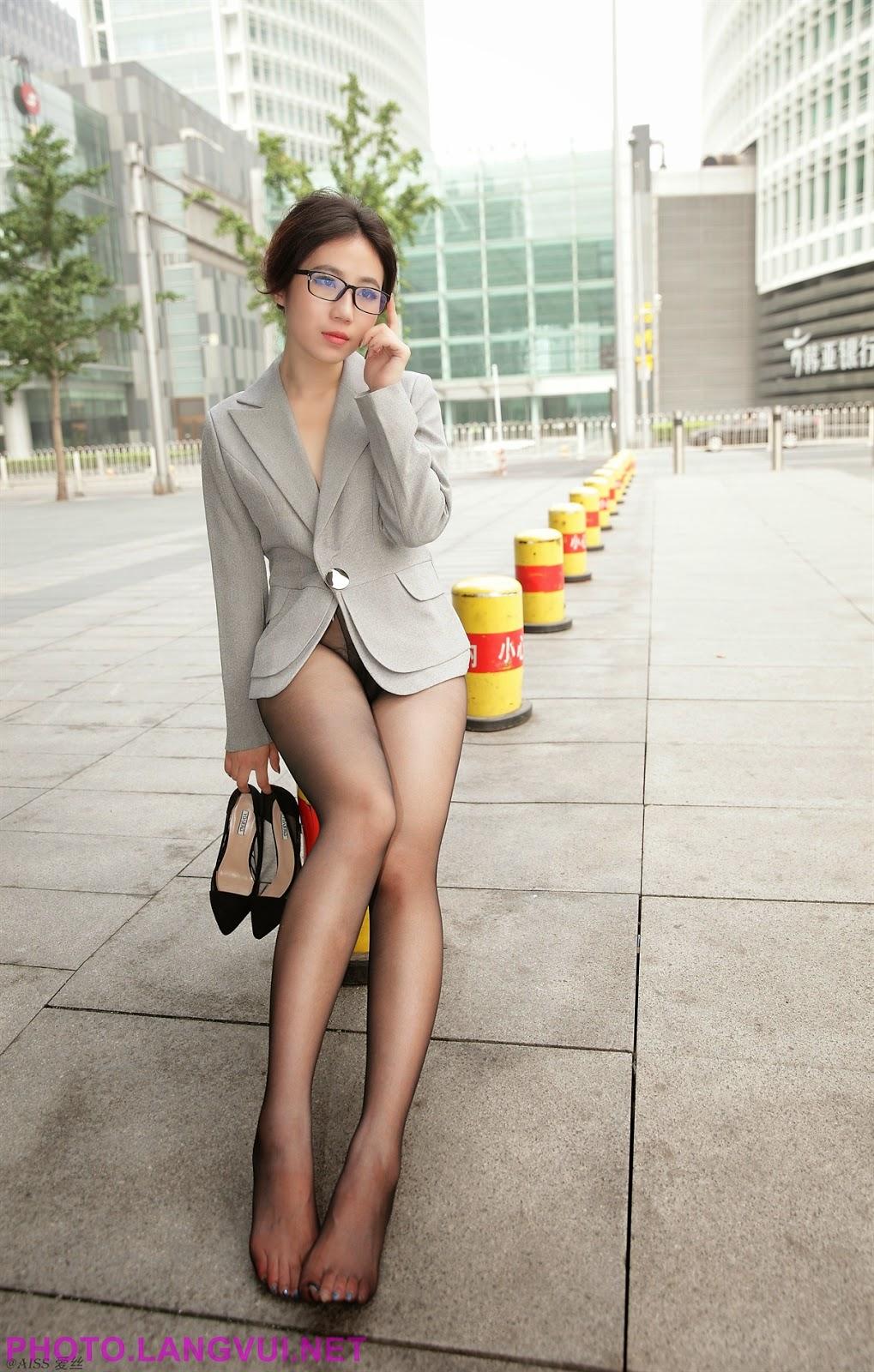 Japan girls legs — pic 1