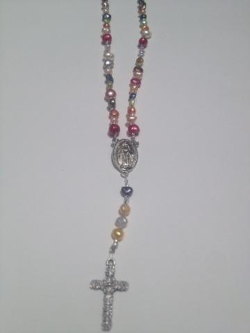 06546e09d4ce Bisutria y Manualidades de Diana  Rosario-collar de perlas cultivadas
