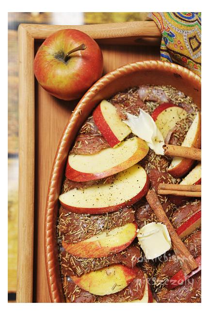 Indyk z jabłkami