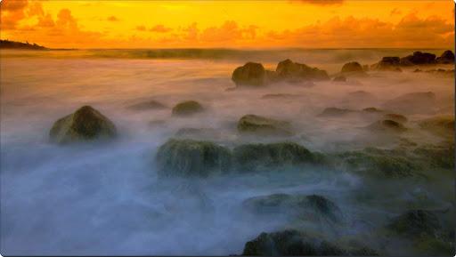 Misty Coast, Hawaii.jpg