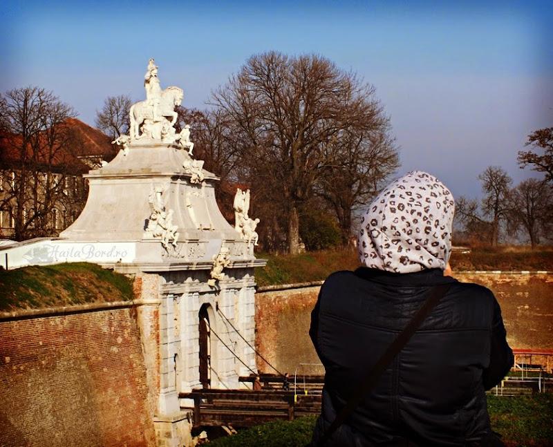 portret poarta 3 cetatea alba iulia