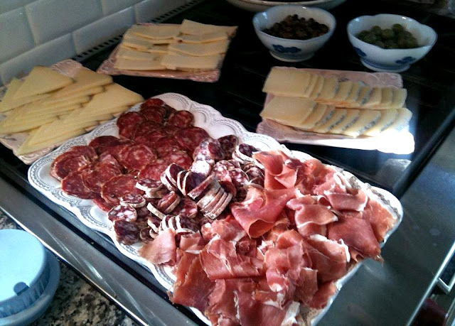 """salumi ,Prosciutto, Cacciatore, and Finocchiona, and cheese - Provolone Auricchio, Manchego,  Pecorino """"Monte Poro"""""""