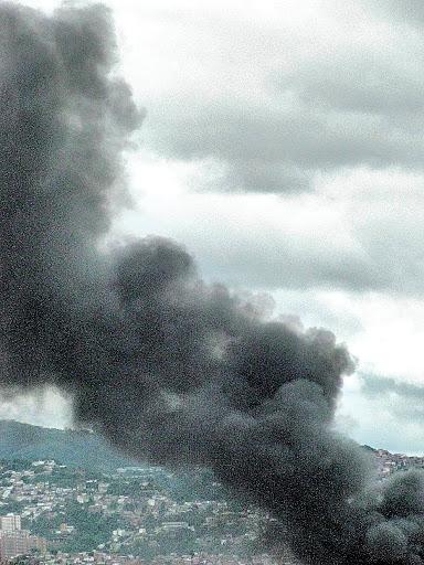 Incendio en fábrica de cosméticos Revlon Boleíta Caracas Venezuela