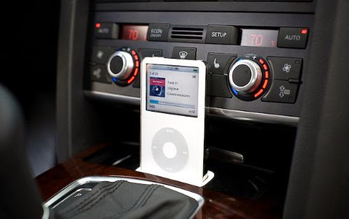 Audi A6 (C6) SPEC.DOCK iPOD/ iPHONE DOCK 2004+ AUDIC6V2I (Left Hand Drive)