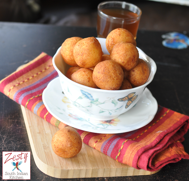 Bunuelos  colombianos: Colombian Cheese Fritters