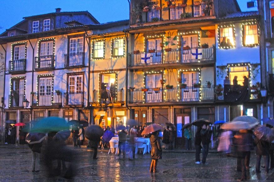 Conhecer Guimarães durante as Festas Nicolinas (e o Pinheiro) | Portugal