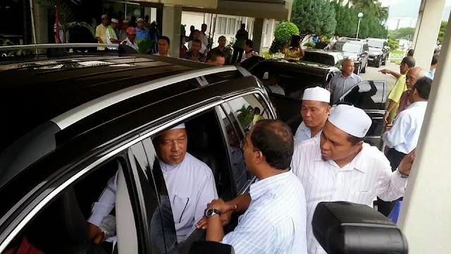 Gambar Sekitar Kunjungan MB Kelantan Melawat YB Nozula