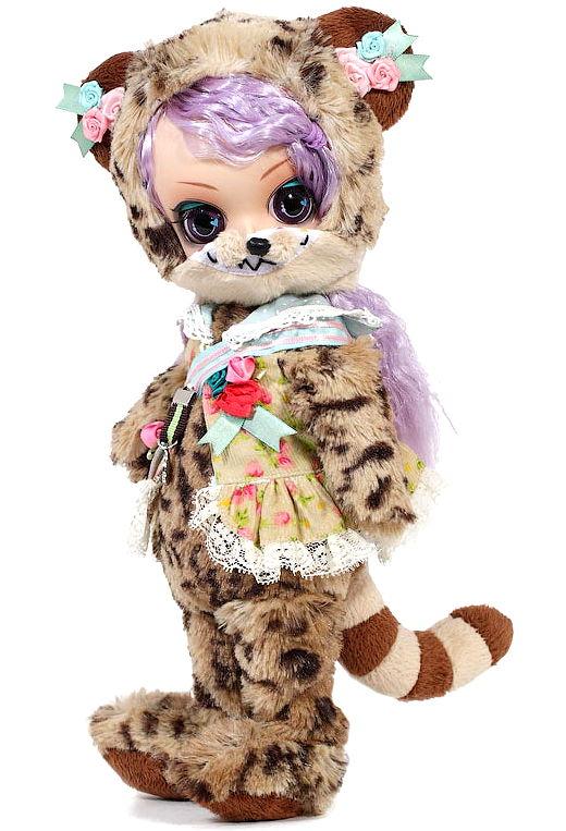 Cheshire Doll