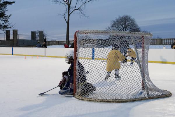 Игра в хоккей в Бостоне