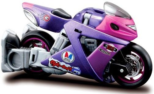 Xe đua đẹp mắt trong bộ biến hình Cyk-One