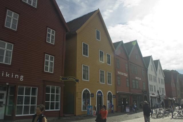 Bryggen las fachadas de madera pintada de Bergen