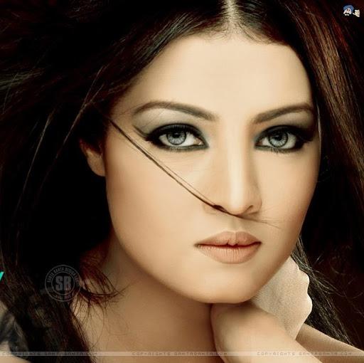 Amera Ali Photo 17